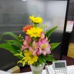 ☆今日のオ~タ☆ 受付のお花!